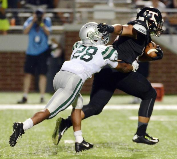 Football bragging rights go to Texas: Trinity Trojans topple California's De La Salle