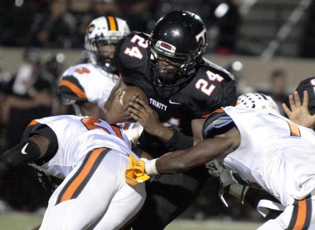 Euless Trinity scores TDs on first 6 series to beat Haltom