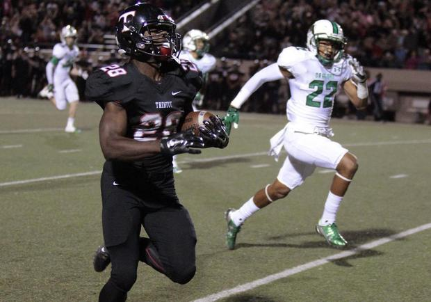 Euless Trinity avenges last year's loss against Southlake Carroll with 37-35 victory